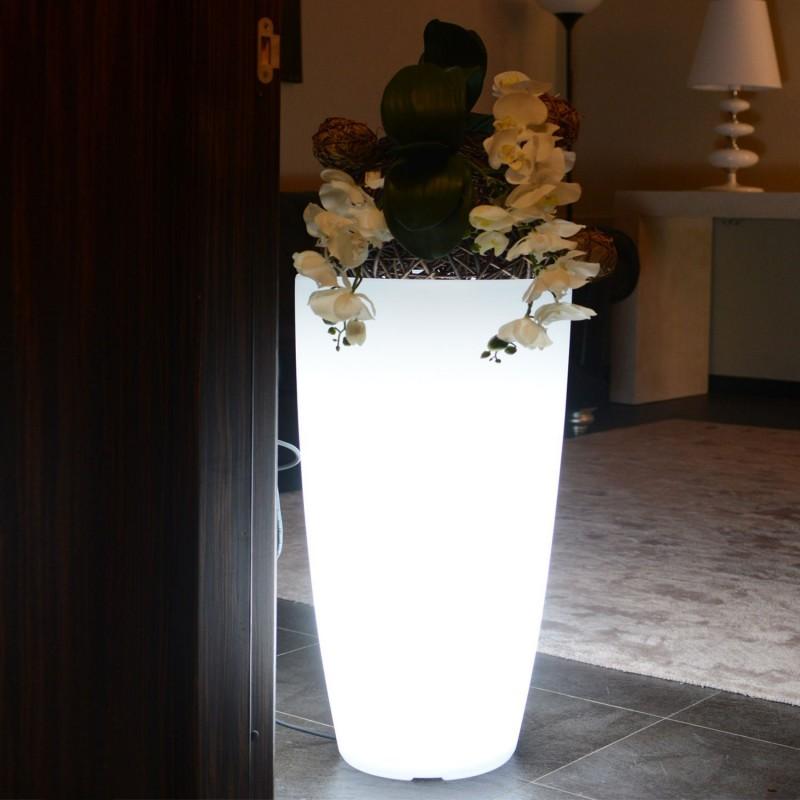Vasi luminosi da esterno: 4 soluzioni per lasciare di stucco gli ...