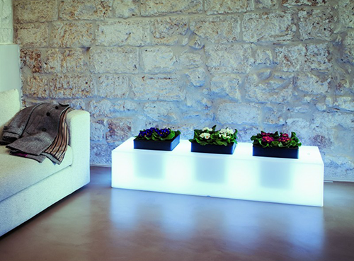 Vasi per fiori da esterno: ecco 3 proposte di arredo
